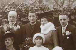 Tancred with family at Arthur's Wedding 21st October 1916